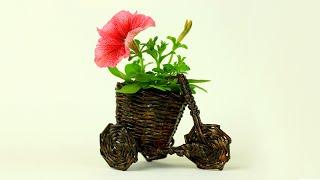 Велосипед-кашпо из газетных трубочек своими руками