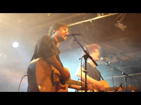 "Max Giesinger & Michael Schulte mit dem Song ""Somebody That I Used To Know"" live in der Meier Music Hall in Braunschweig. (26.09.12)"