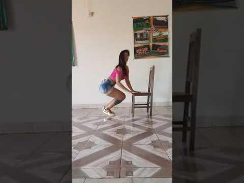Mirna Pereira baila