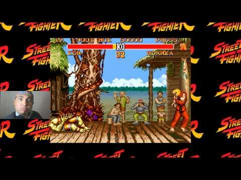 Chico haciendo los efectos de Sonido de Street Fighter con su voz