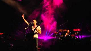 Kings Of Leon - Dancing On My Own (Robyn Cover - Live at Lollapalooza 2014)