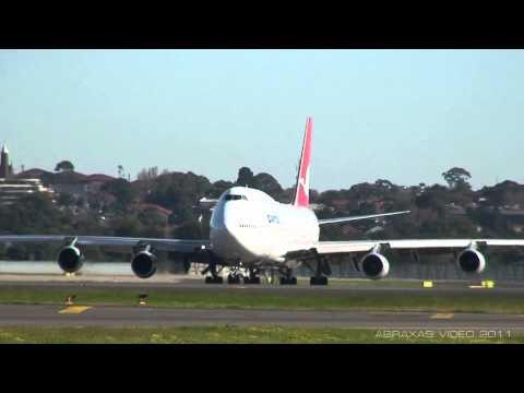 Qantas 747-438 [VH-OJH] - Takeoff from Sydney - 19 June 2011