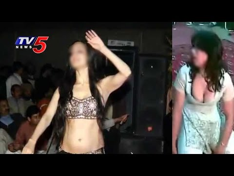 Hot Mujra Dance | Police Busted Mujra Party : TV5 News
