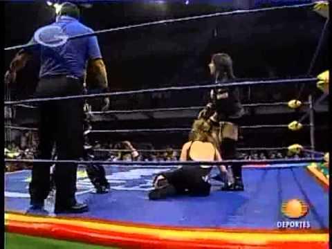 Estrellita, Sexy Star & Linda Star vs Apaches & Hamada
