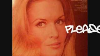 Watch Lynn Anderson Put Your Hand In The Hand video