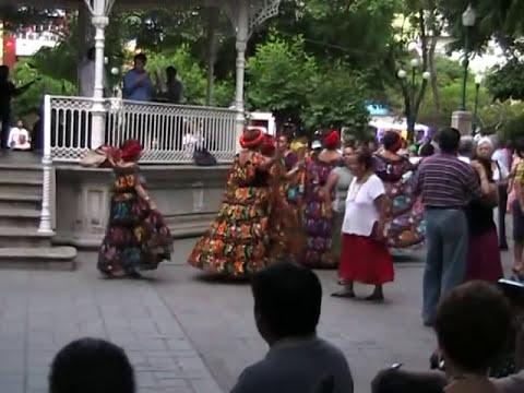 Te invitamos a Bailar en el Parque de la Marimba