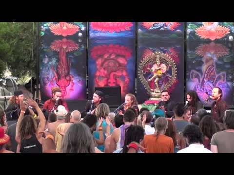 Nigahain Chura Kar Ke O Jane Wale Live By Fanna-fi-allah Qawwali video