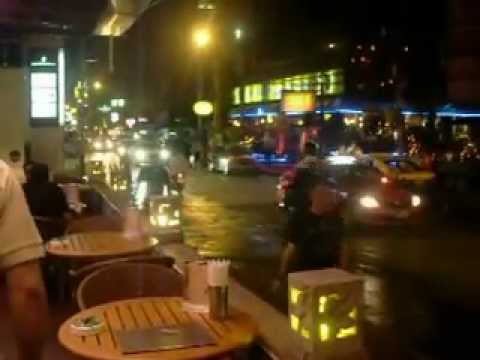 BANGKOK BY NIGHT- SUKHUMVIT ROAD