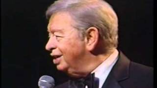 Mel Tormé The Christmas Song Chestnuts Roasting On An Open Fire