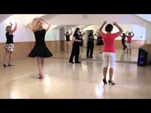 Уроки сальсы. Salsa lessons. Сальса-соло комбинация на технику поворотов и баланс.
