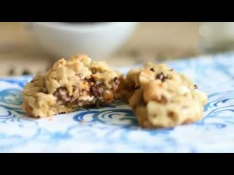 Recipe: Snickers Stuffed Loaded Peanut Butter Oatmeal Cookies