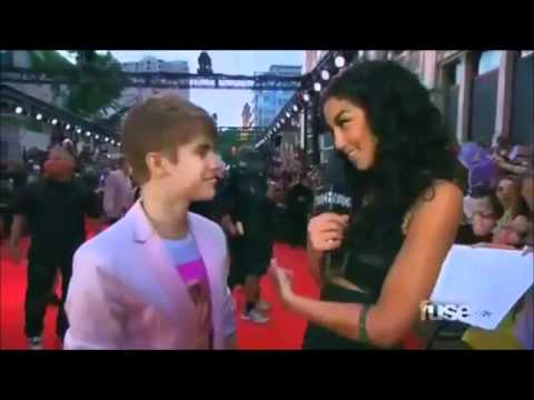 Justin Bieber's Surprise Arrival at the MMVA 2011 (HD) #1