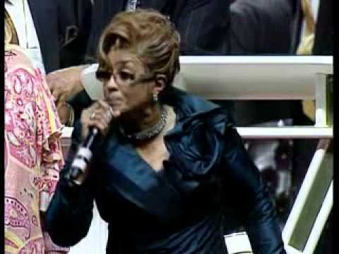Dorinda Clark Cole - Little Sally Walker Praise Break @ COGIC 103rd Holy Convocation