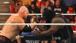 WWE Raw: Kane vs. Mark Henry - Arm Wrestling Contest