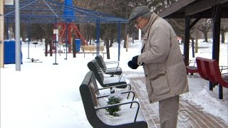 Act of kindness helps elderly man honor late wife