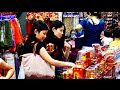 Beautiful People shopping in Chinese Market of Singapore