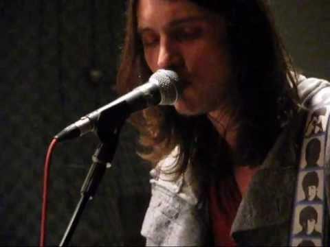 Manchester - Maciej Tacher - Tajemnica (akustycznie Radio PIK 16.12.2011)