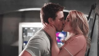 oliver and felicity || sex scenes {320 + 520}