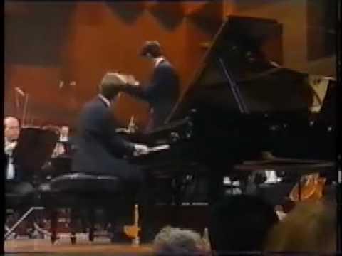 Simon Tedeschi (age 17) performs Ginastera Piano Concerto no. 1 - Part 1