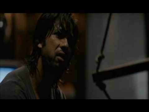 Kaminey - Shahid in police custody
