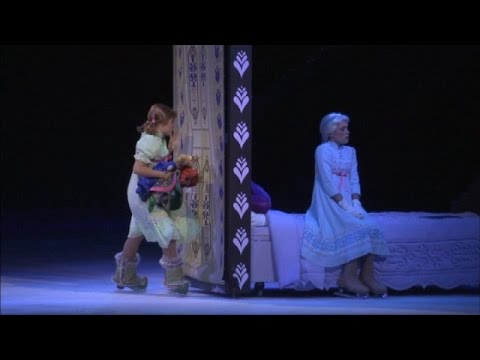 RAW Disney on Ice presents Frozen: 'Do You Want to Build a Snowman?'