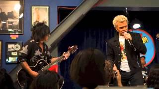 Watch Billy Idol Kiss Me Deadly video