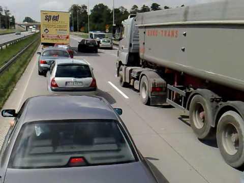 Pijany kierowca na autostradzie A4 zderzenie z policją