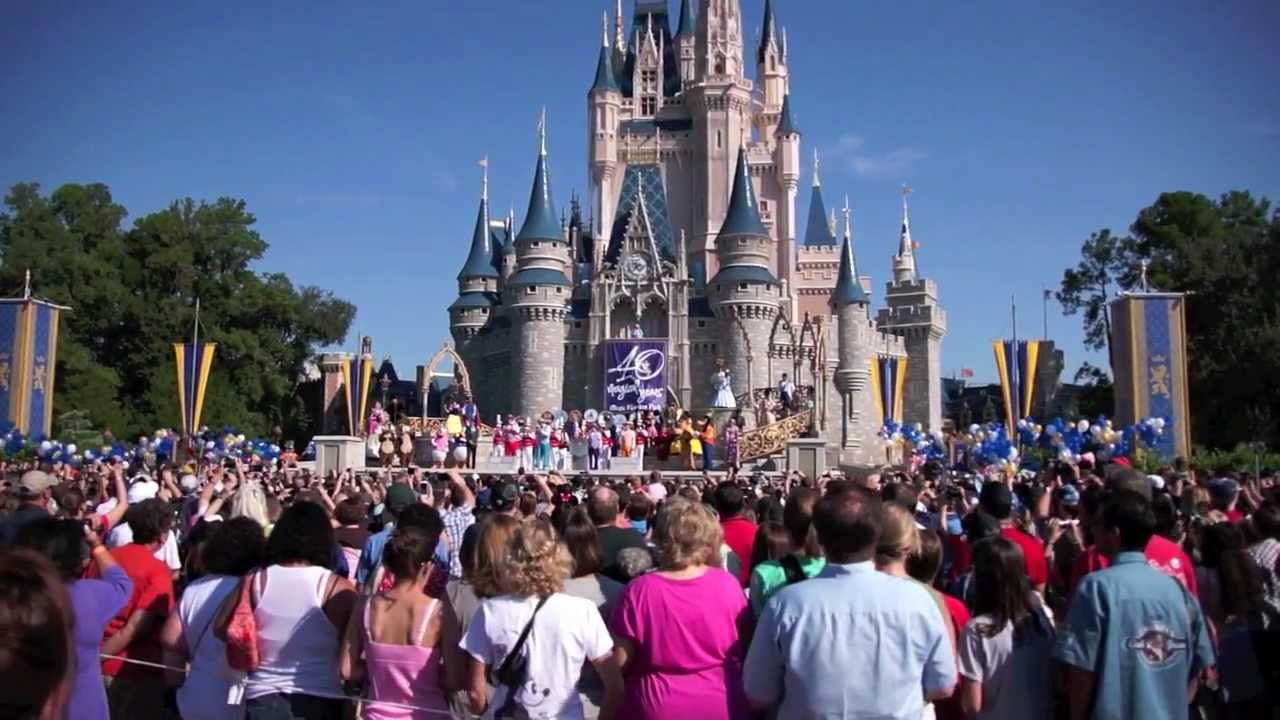 Crowd Sing Along With The Dapper Dans For Disney Worlds 40th Anniversary At Magic Kingdom