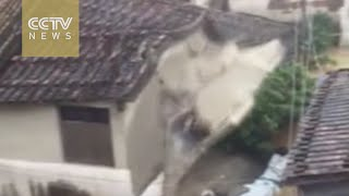 Extreme weather turns house into heaps of rubble in Fujian
