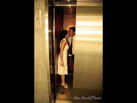 semmarit - kaksi kättä hississä
