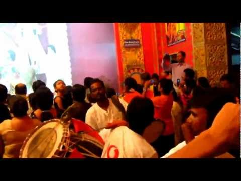Durga Puja At Baghbazar, Kolkata - Beating Dhak (drums) video