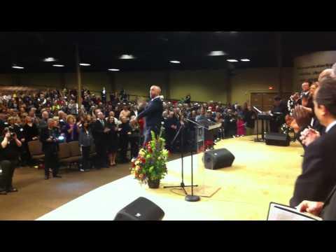 Cantor Marcelo Gindlin singing for Israeli Vice Prime Minister Moshe Ya'alon