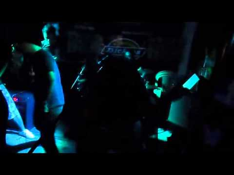 ATTHISMO - BANAT  (live @ Rakista Radio Jam, Back to the 90's Bar, QC, Philippines )