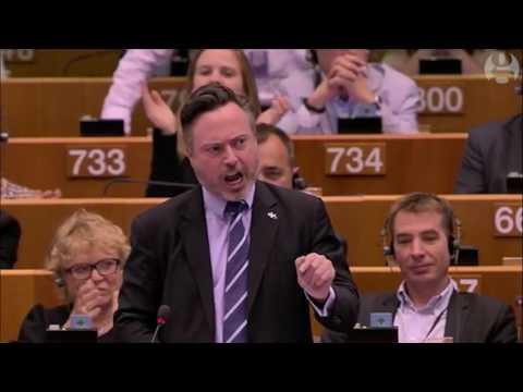 Scottish MEP Alyn Smith gets standing ovation at European Parliament