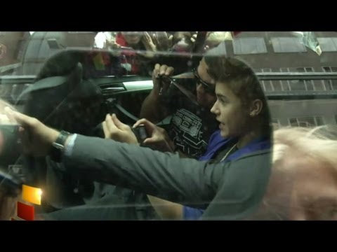 Justin Bieber Fan Mayhem in Oslo, Norway: Emergency Nearly Declared as Girls Swarm for Concert
