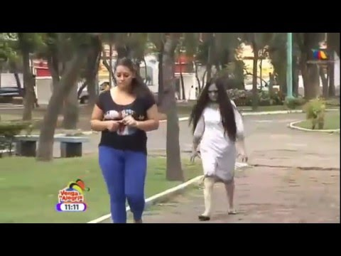 Mexican Pranks [Girl who cries and scary] Prank