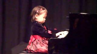 """3 years old kid's piano performance """"ode to Joy, london bridge, this old man"""""""