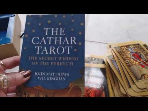 Traceyhd's Review Of The Cathar Tarot