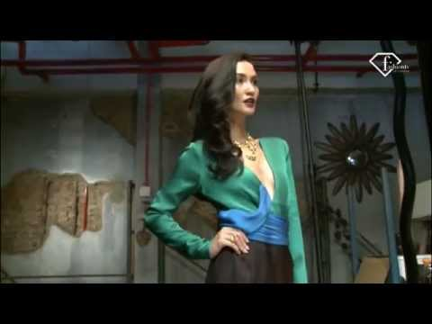 Atiqah Hasiholan Fashion TV Indonesia