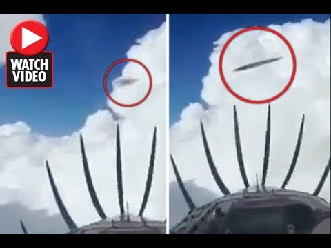 Pilot Left Stunned As Two UFO's Buzzed His Aircraft