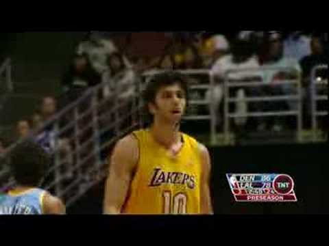 Andrew Bynum Cusses @ Sasha Vujacic. Video