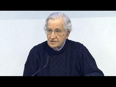Noam Chomsky (2014)