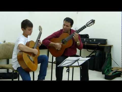 מצגת תמונות מסדנת הגיטרה השישית - רופין, יולי 2012