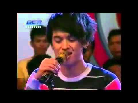 Rumor   Butiran Debu, Live dahsyat 27122011 Mp4   Youtube video