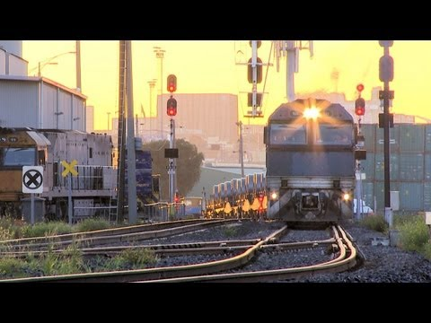 Pacific National Steel Train In Melbourne - PoathTV Australian Railways, Railroads & Trains