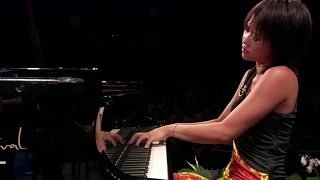 12 Remarkable Piano Concertos ~ With Beautiful Performances