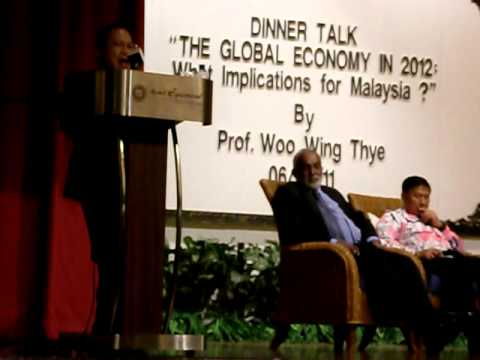"MPKj DinnerTalk4 ""The Global Economy in 2012: What implications for Malaysia?""220611"
