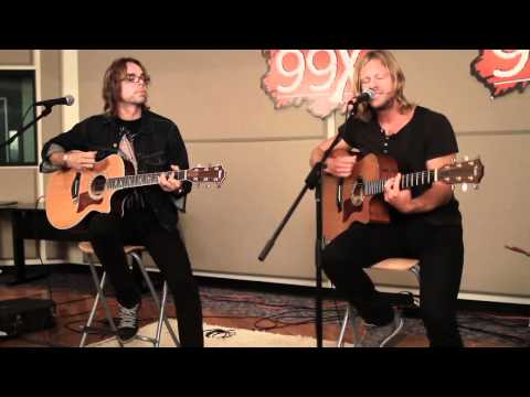 "Switchfoot ""Dare you to move"" Live X 8-25-11"
