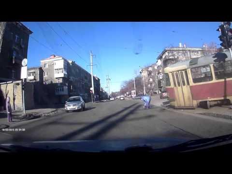 Трамвай в Харькове сбил пешехода 18.02.16