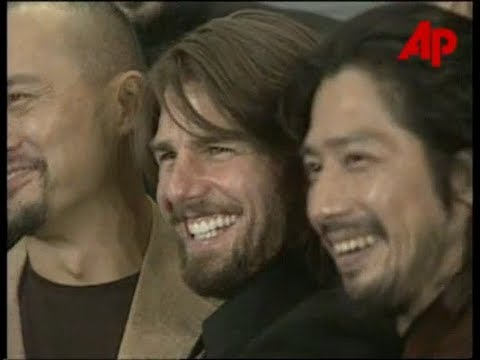 Cruise and the Japanese Cast Promote The Last Samurai in 2002